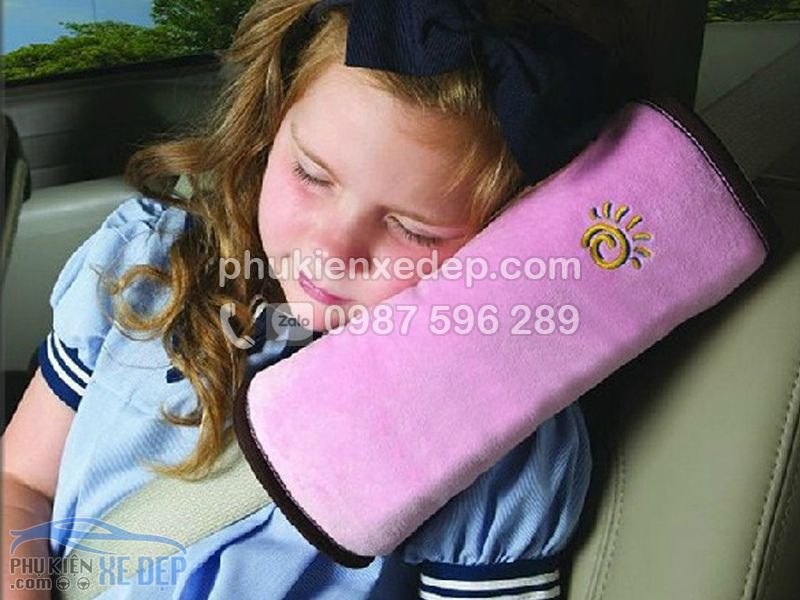 Gối ngủ trên xe ô tô, gối ngủ cài dây an toàn 8