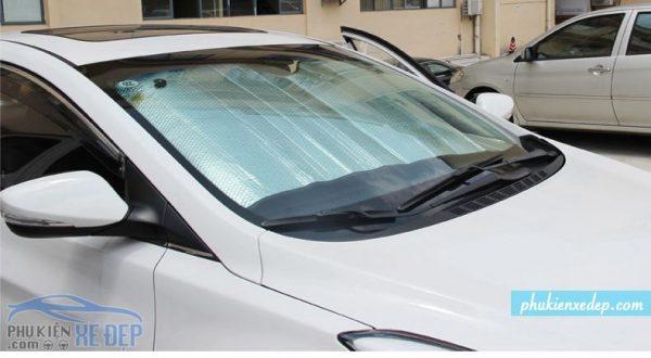 Tấm chắn nắng xe ô tô - che nắng kính lái 3