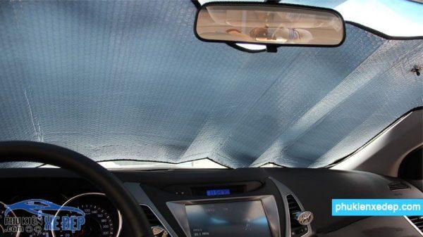 Tấm chắn nắng xe ô tô - che nắng kính lái 6