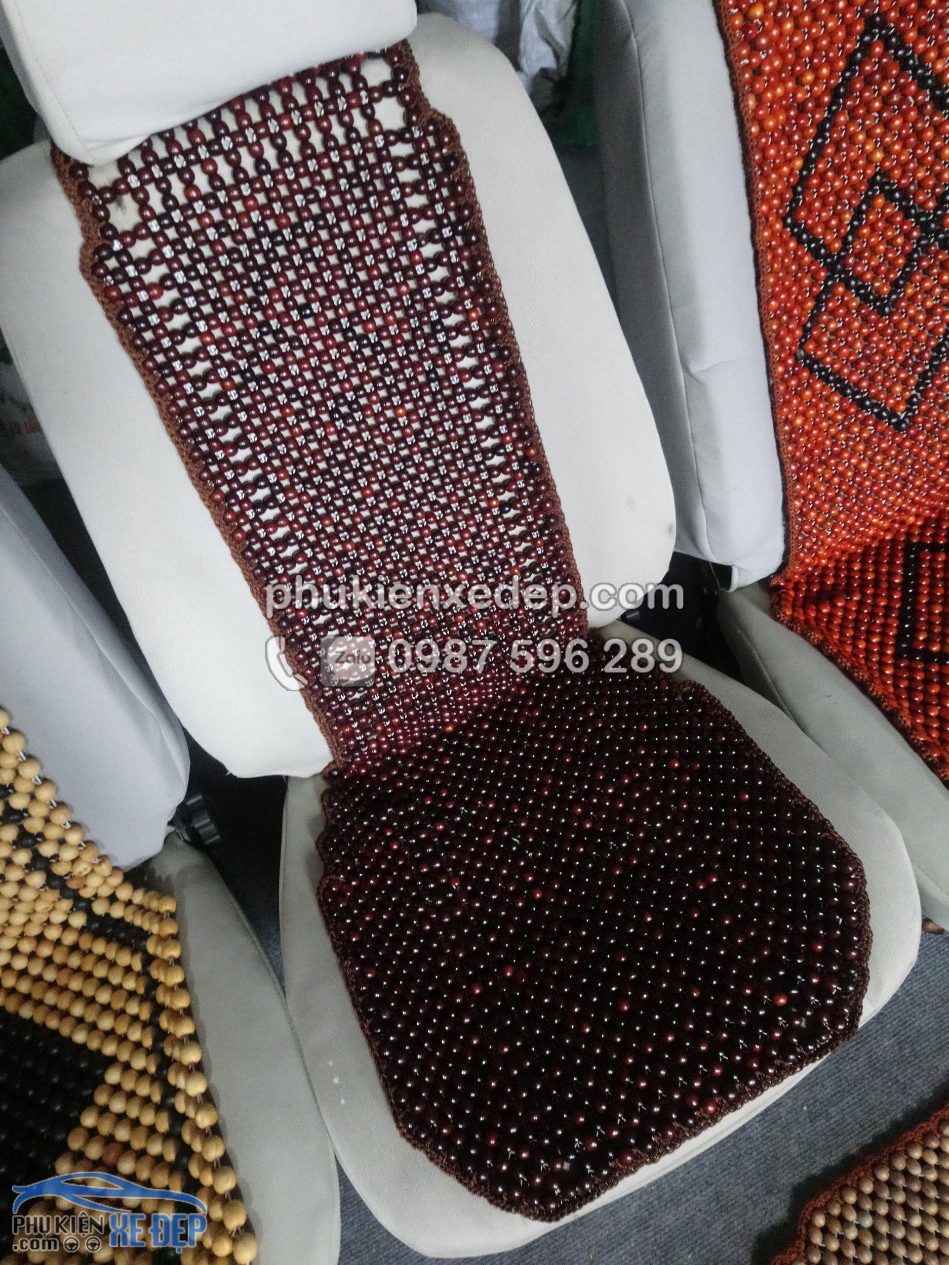 Lót ghế ô tô hạt gỗ Trắc 5