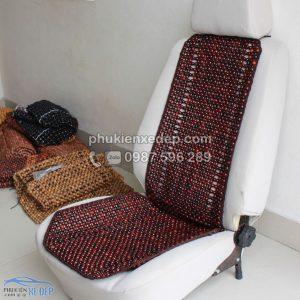 Lót ghế ô tô hạt gỗ Trắc 1