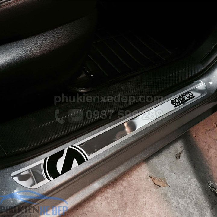 Nẹp bước chân chống xước cửa xe ô tô sparco