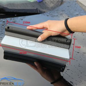 Cây gạt nước rửa xe ô tô